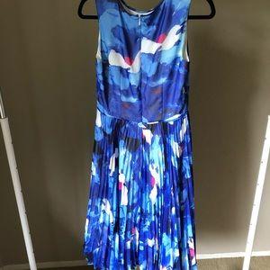 Blue pleated bottom flower design sleeveless dress